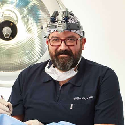 Д-р Акин (Dr. Akin)